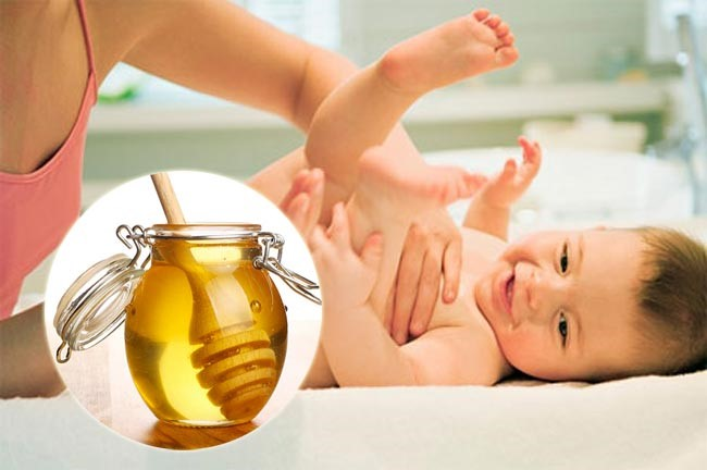 chữa táo bón cho trẻ sơ sinh bằng mật ong