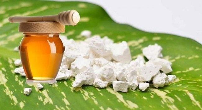 Mật ong ăn với bột sắn dây gây chết người là một quan niệm sai lầm
